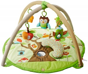 Gimnasio de actividades para bebé Skip Hop Treetop Friends