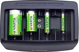 Cargador universal Varta para varios tamaños de pilas