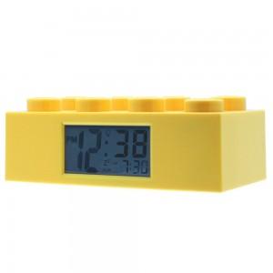 Despertador con forma de pieza de Lego amarillo