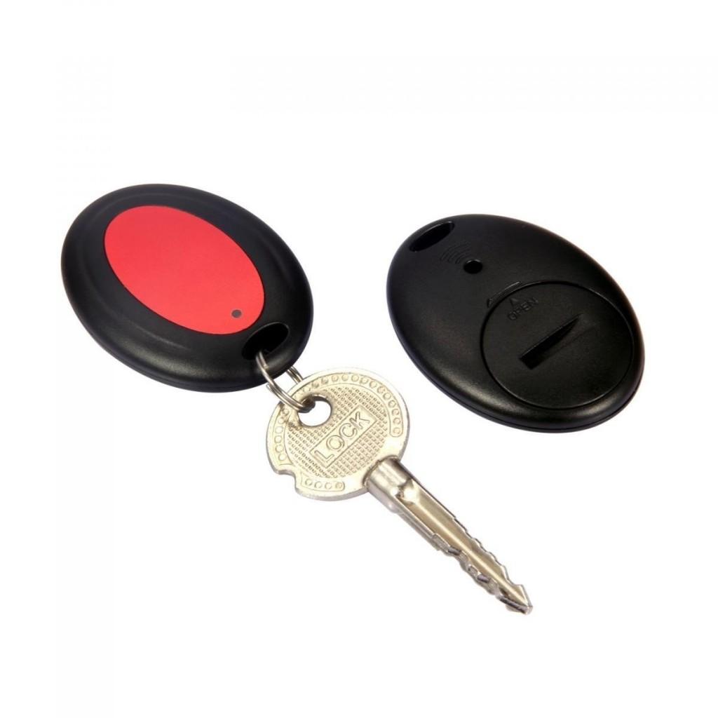 Localizador Esky ES-KF02 colocado en llaves