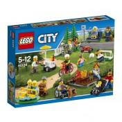 Diversión en el parque LEGO City 60134