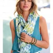 foulard-estampado-con-flecos-de-viscosa-estampado-multicolor