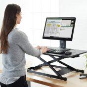Convertidor de escritorio de pie AmazonBasics K001542