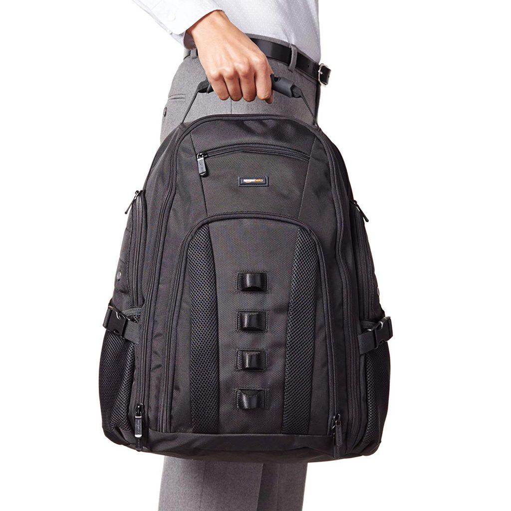 Mochila para portátil AmazonBasics color negro