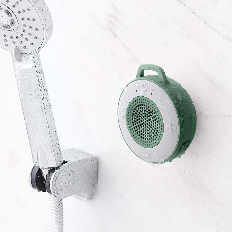 Altavoz inalámbrico para el baño AmazonBasics, verde